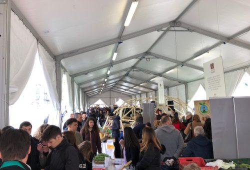 """Inaugurata Leguminosa 2018. In Piazza Dante 70 produttori e 15 cuochi per """"seminare il futuro"""". Ecco gli appuntamenti imperdibili di sabato 10 marzo!"""