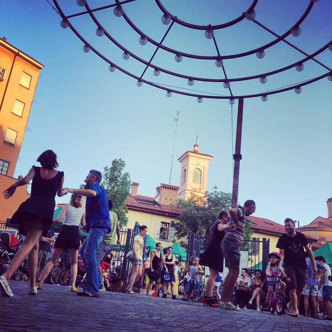 Il Mercato della Terra di Bologna : lunedì sera torna lo swing mob