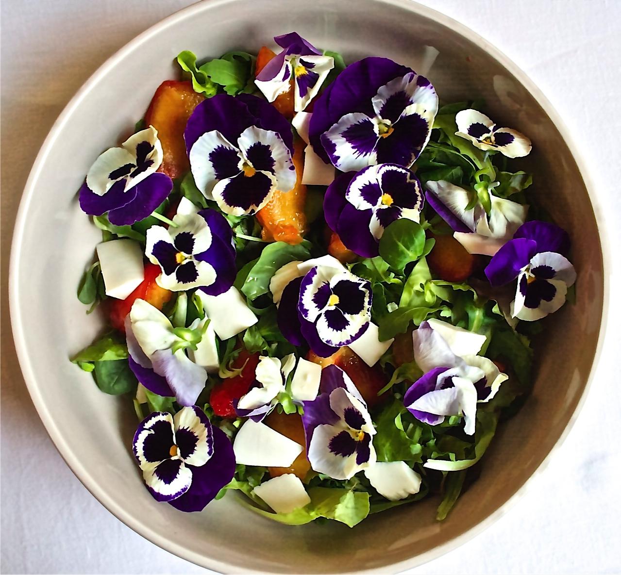 40 fiori da mangiare - Slow Food - Buono, Pulito e Giusto.