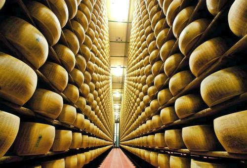 Se il Parmigiano reggiano costa meno dello stracchino