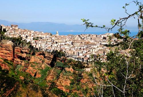 Festa delle alternative possibili – fermata Calabria