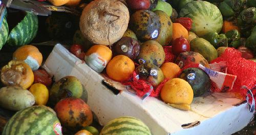 Un chilo la settimana: lo spreco in famiglia supera le previsioni