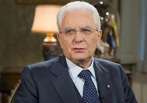 """Mattarella: """"Non rassegniamoci alla società dello spreco e del consumo distruttivo"""""""