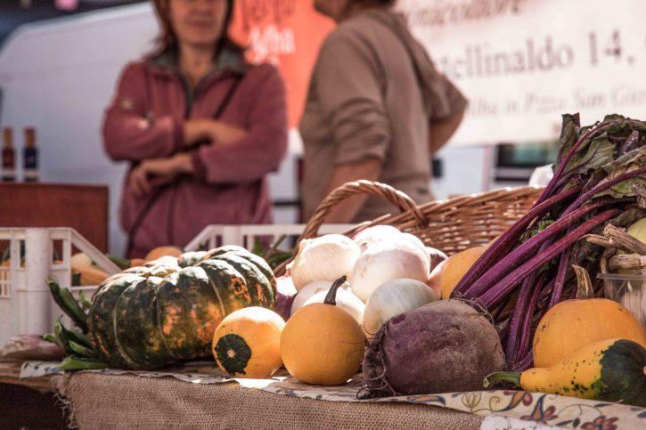 mercati_della_terra_alba