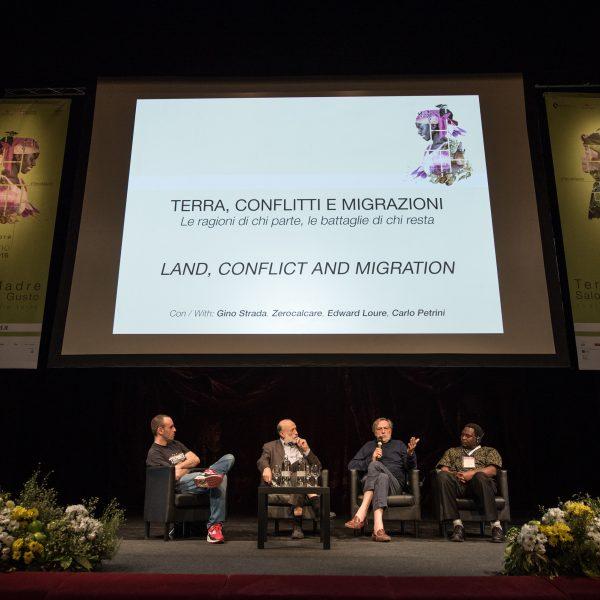 «I migranti sono la nostra ricchezza». Terra, conflitti e migrazioni al centro di Terra Madre Salone del Gusto