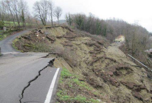 La terra frana. Ecco come il consumo di suolo minaccia l'Italia