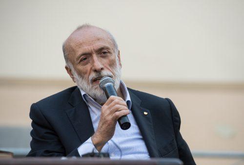 Carlo Petrini: «Togliamo la plastica dalla nostra tavola»