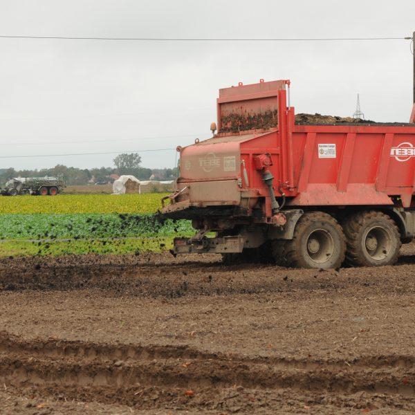 Slow Food Italia: «Decreto Genova, la norma sui fanghi mette a rischio la tutela del suolo»