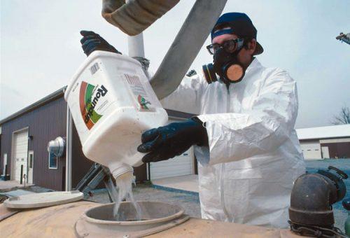 Glifosato, terzo tribunale Usa condanna Bayer: una sconfitta da 2 miliardi di dollari