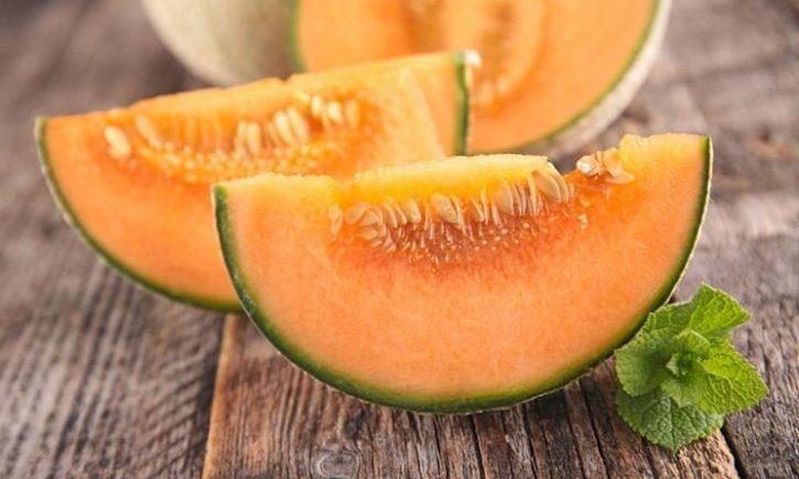 meloni arancioni tagliati