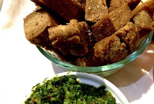 Meatless Monday presenta le ricette della tradizione: Panisse con pesto invernale