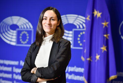 Eleonora Evi alle donne «Studiate, preparatevi, eccellete» e costruiamo «una società più giusta, dove nessuno venga lasciato indietro»